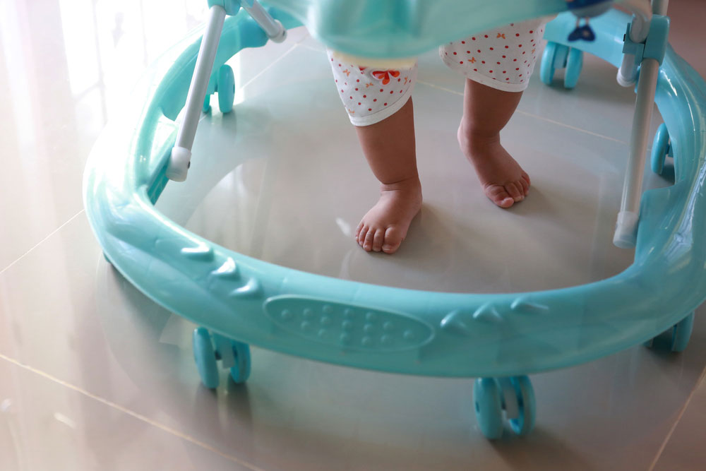 Pros and Cons of Using a Baby Walker