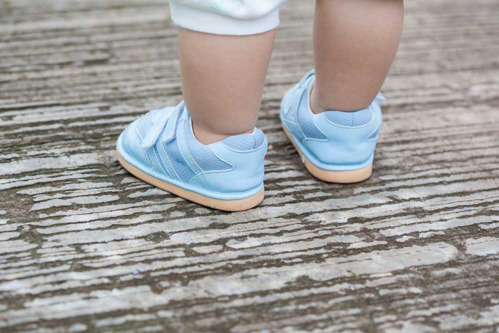 Small baby's shoes